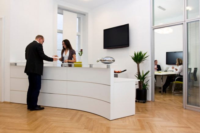 decorar a recepção de uma empresa